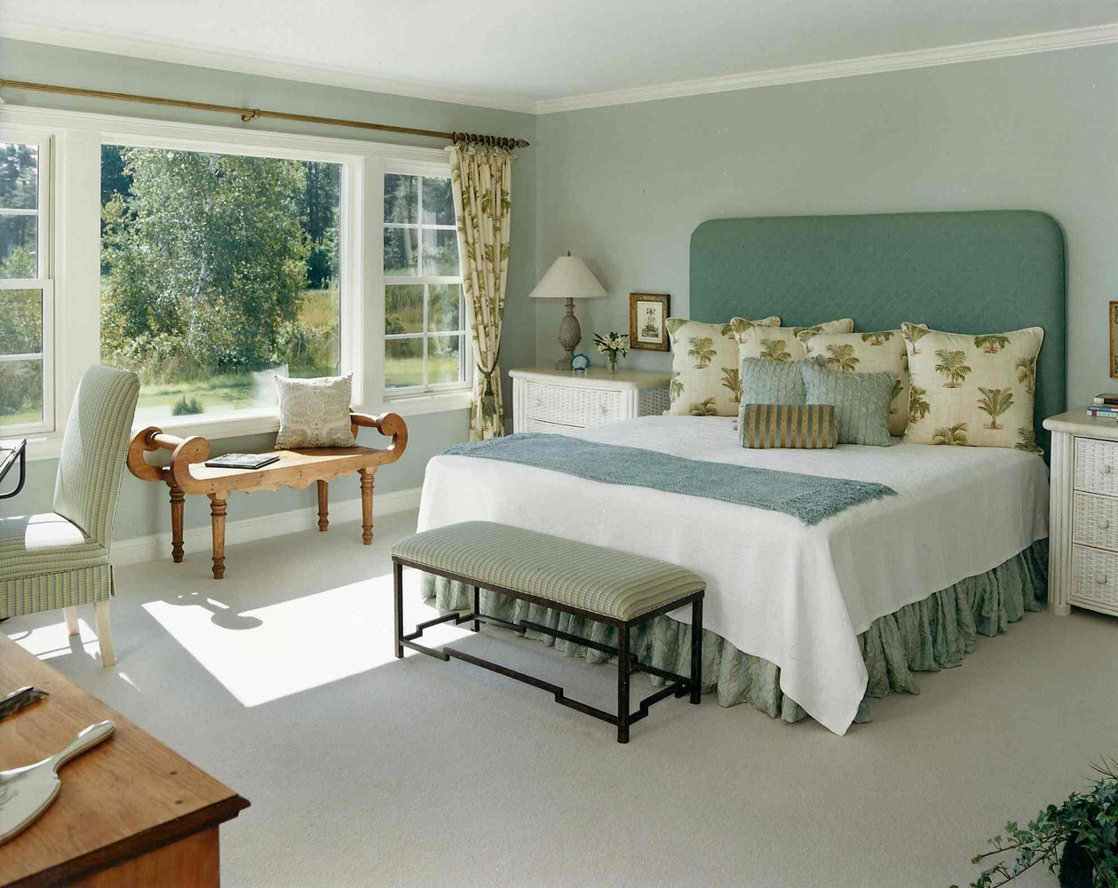 hampton-master-bedroom-interior