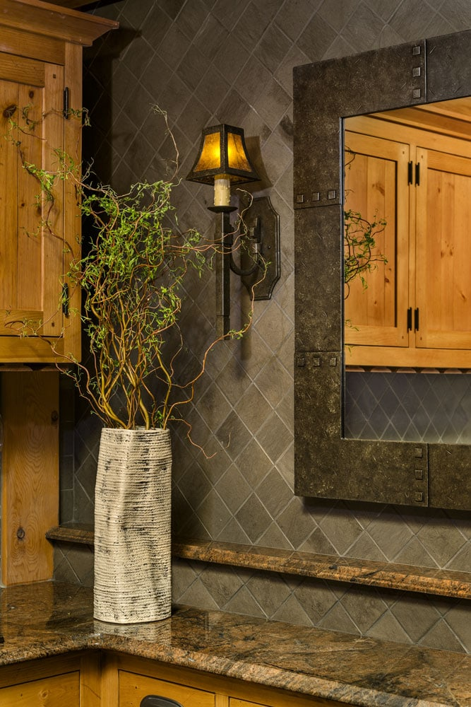 corner-ceramic-vase-new-hampshire